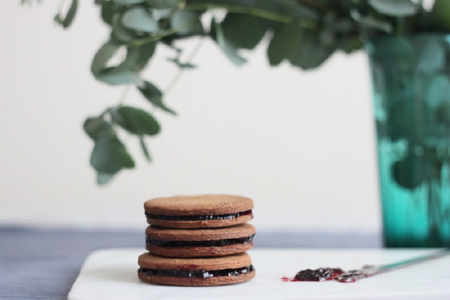 Speculoos Cookies with Sour Cherry Jam